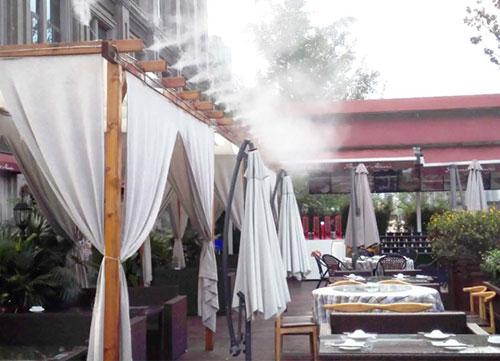 九龙滨江户外餐厅喷雾降温